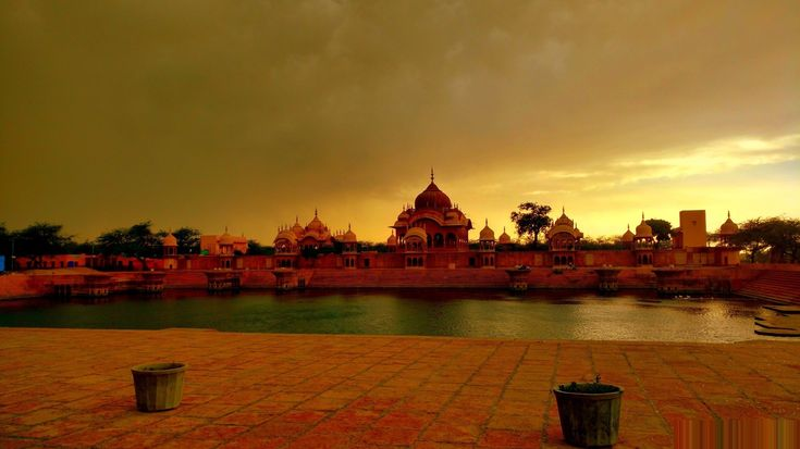 19 best brijdarsan images on pinterest the holy city is connected to the birthplace and history of the hindu god lord krishna the best time to visit mathura vrindavan fandeluxe Images