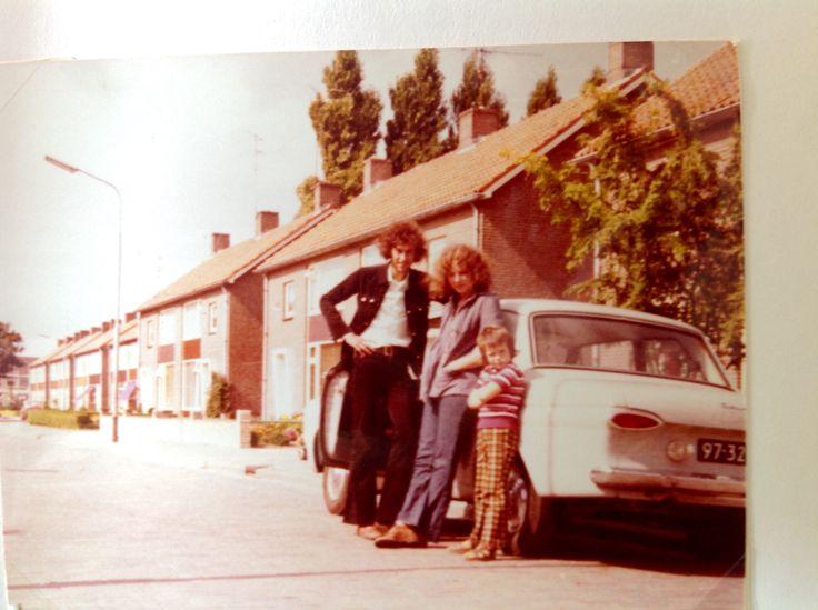 Met vriend en buurjongen, 1974