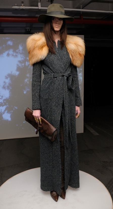 Loving the drama of this floor-length coat with the giant furry collar! Skaist-Taylor, Fall 2012: