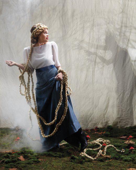 Rapunzel Halloween Costume- I'm so doing this!