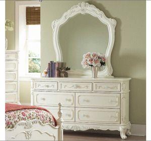 152 Best Cinderella Bedroom Images On Pinterest Cinderella Bedroom Painted Canvas And Piggy Banks