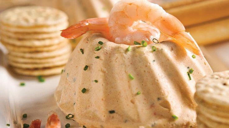Légère au palais, cette mousse salée fait souffler un vent de fraîcheur sur la table du brunch. Poisson et fruits de mer y conjuguent leurs saveurs océanes pour offrir une entrée remarquée. Présentée en portions, cette recette ravira les invités gourmets.