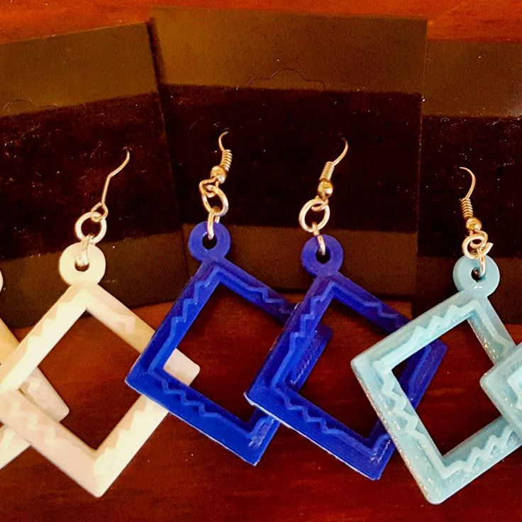 Up close view of our wheatstone bridge earrings ready to ship in blue sky blue and white! . . . #3dprinting #jewelry #fashion #style #blue #etsy #shapeways #earrings #sciart #PHD #phdlife #scientist #fashionista #geometric #handmade #jewelrydesign #handmadejewelry #handmadeisbetter #teachergifts #electricalengineering #science #fashionblogger #3dprinted #sciencegift #etsyscout #love by sci_chic