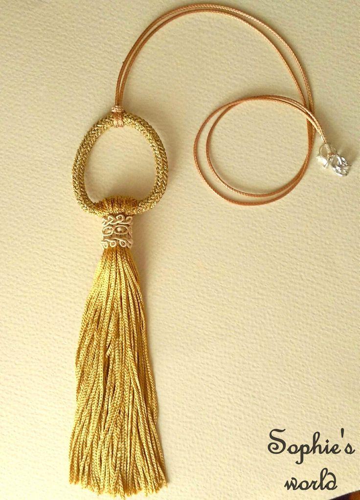 Χειροποίητο μακρύ κολιέ σε αποχρώσεις του χρυσού! gold tassel statement necklace! https://www.facebook.com/Sophies-world-712091558842001/