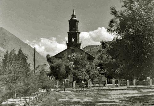 Iglesia de Montealegre en 1957. Archivo del Escritor, N° 153. Imagen perteneciente a los bancos fotográficos de la Biblioteca Nacional. F...