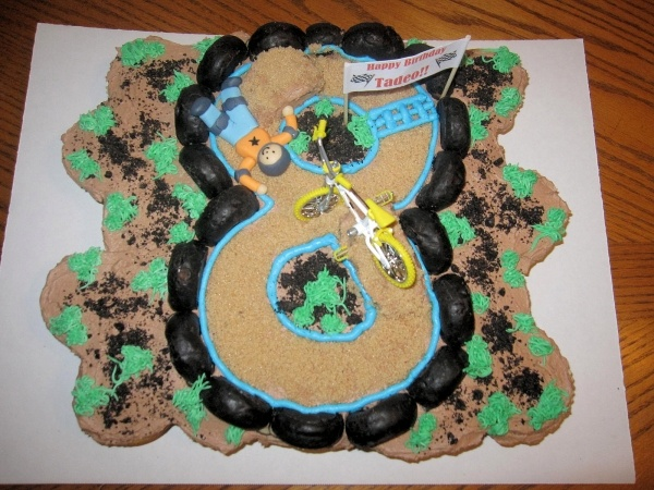 BMX Cake- coming to a plate near you in december! Go max!
