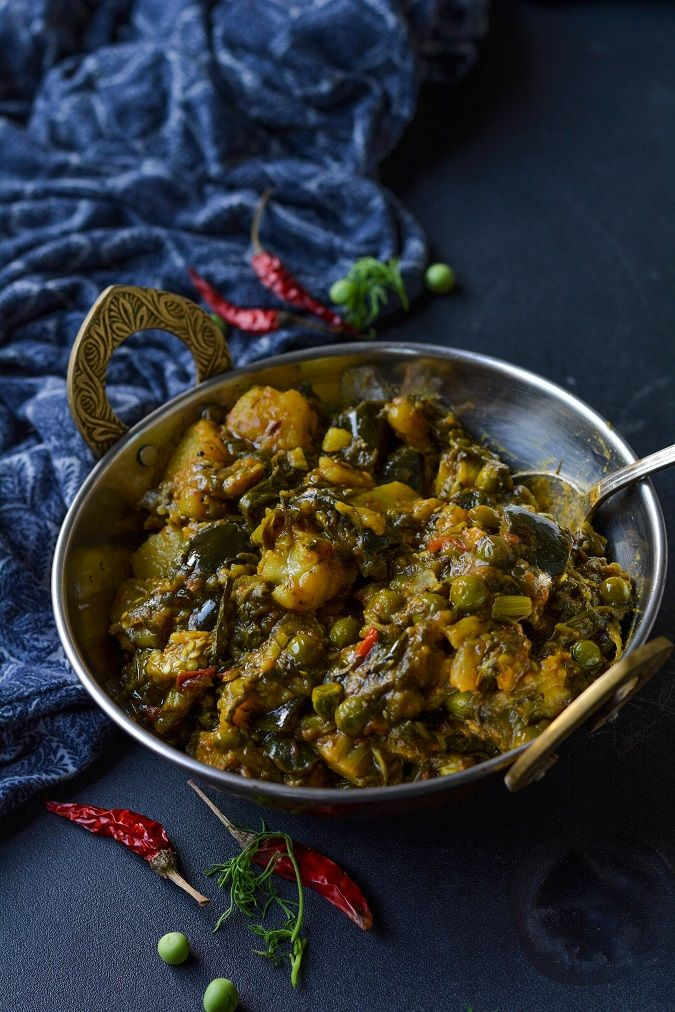 Baigan aloo suva ki sabzi-A simple and delicious brinjal, potato,spinach and dill leaves curry - a specialty of Uttar Pradesh