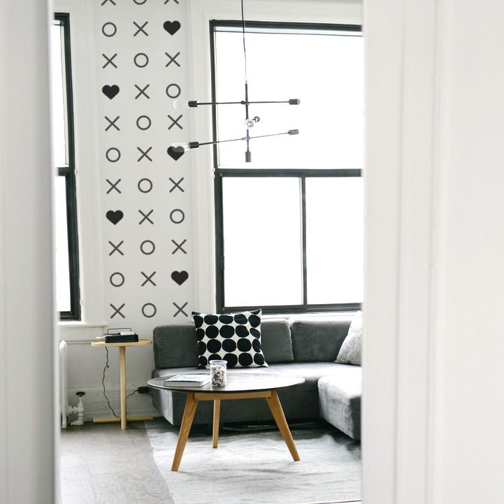XO's - Feelin' it Decals #walldecals #wallart #homedecor #walldecor #kidsdecor #nurserydecor #livingroom #livingroomdecor #black #xoxo #love #removeablevinyl #decals