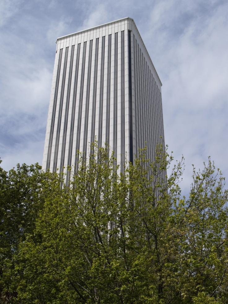 Edificio de Torre Picaso. Arquitecto. Minoro Yamasaki Altura 156 m.