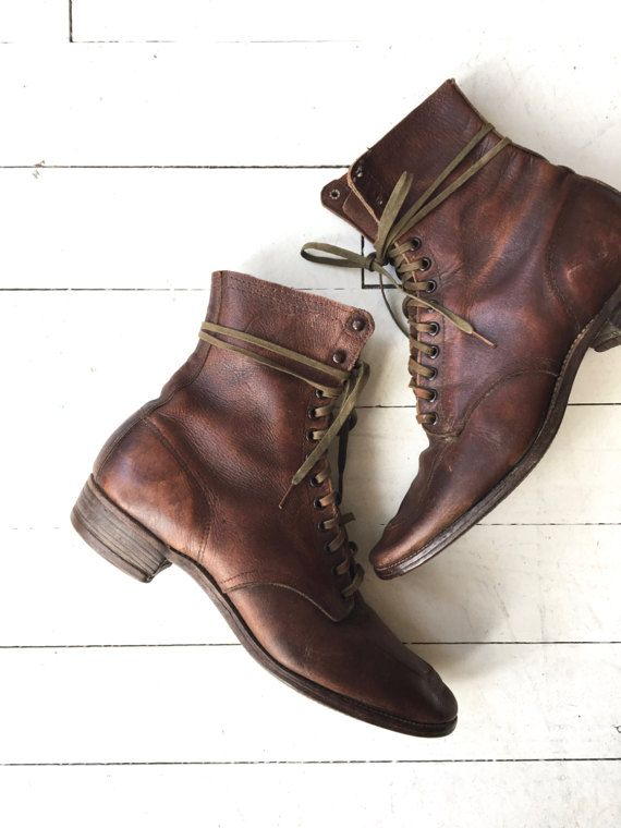 Classic and rare 1930s brown leather lace up boots with moccasin toe, cotton laces and wood sole. Excellent wearable condition! ✂-----Measurements fits like: us 7.5 | euro 38 | uk 5 insole: 10 ball: 3.5 heel: 1 shaft height: 4 brand/maker: n/a condition: excellent ★ layaway is available for this item ➸ more vintage footwear http://www.etsy.com/shop/DearGolden?section_id=5800174 ➸ visit the shop http://www.DearGolden.etsy.com __________________...