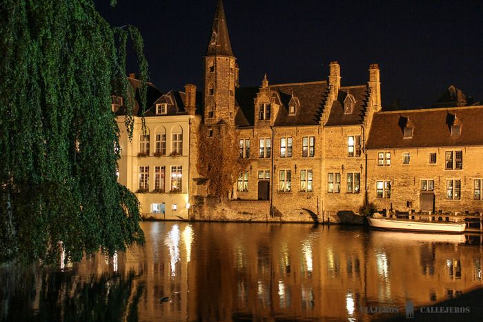 Esta lista de los 10 lugares que visitar en Brujas más imprescindibles, os ayudará a recorrer una de las ciudades medievales mejor conservadas y más bonitas del mundo.