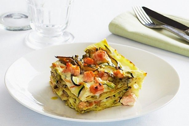 Lasagne with salmon, vegetables and pesto