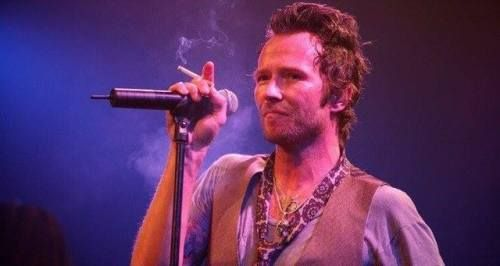 3rd Dec 2015, American musician and singer-songwriter Scott Weiland died aged 48. He was found in cardiac arrest on his tour bus in Bloomington, Minnesota, just before he was scheduled to go on stage with his band The Wildabouts. He was 48 years old. Weiland was best known as the lead singer for Stone Temple Pilots from 1986 to 2013, as well as Velvet Revolver from 2003 to 2008.