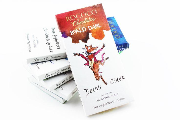 Under 2016 firas 100 årsjublieet för Roald Dahls födelse. Det firar nu alltså Rococo genom att ta fram en Special Edition-chokladserie med inspiration från olika Roald Dahlsagor, och vi släpper tre Roald Dahl-chokladkakor under oktober. Se vår hemsida för att läsa om smakerna och hur sagorna har inspirerat chokladen. #Rococo #RoaldDahl #ekologisk #choklad #nyhet #foodie #sagor #Beriksson