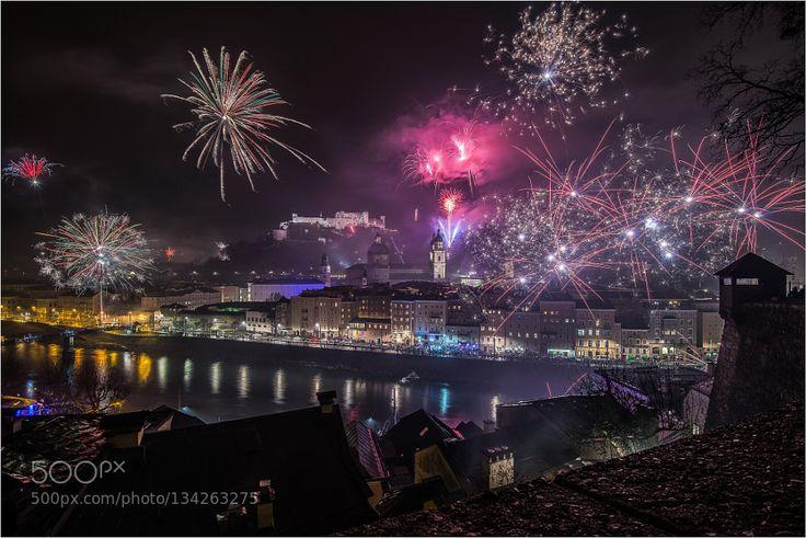 #Festung Hohen SalzburgFeuerwerkNeujahrNikonSalzburgSilvesterSalburg Stadt #hbusa1979 (January 1 2016 at 02:09PM) in Salzburg