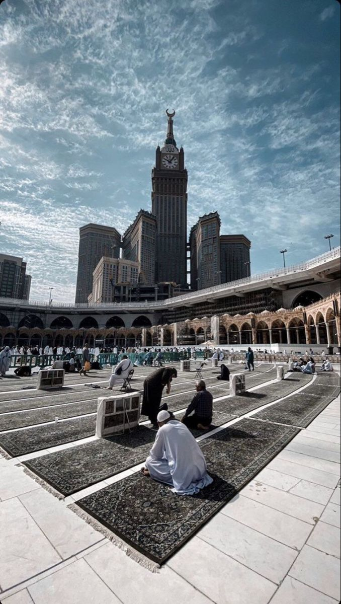 Pin oleh milla di Makkah Tower di 2020 Fotografi alam