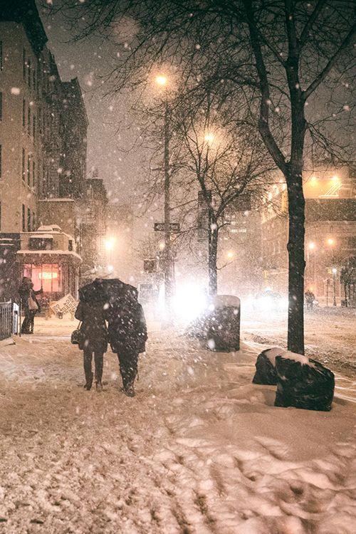 Verschneite Stadt Nacht   – Cool Photography