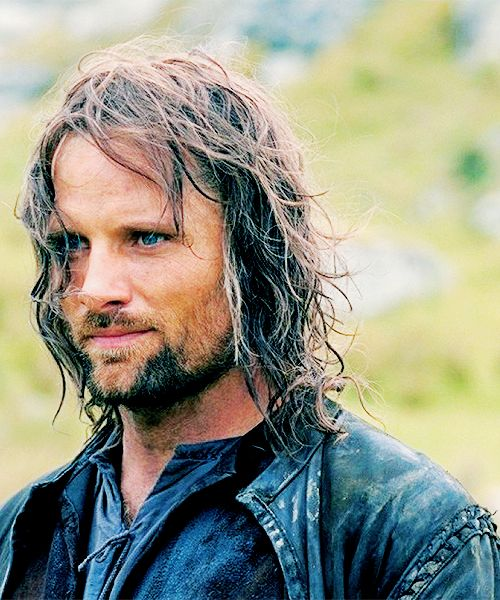 LotR stills → Aragorn ... I literally gasped when I saw this photo. It's been a while since I thought about Aragorn. :-)
