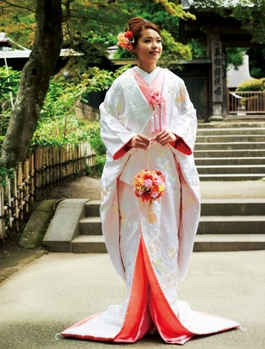 There was a Japanese wedding at our hotel in Hakone. The bride wore a ceremonial kimono much like this one. It was a huge and beautiful wedding. We wanted to stay and watch, but our bus was leaving. We on our way to Atami and Kyoto.