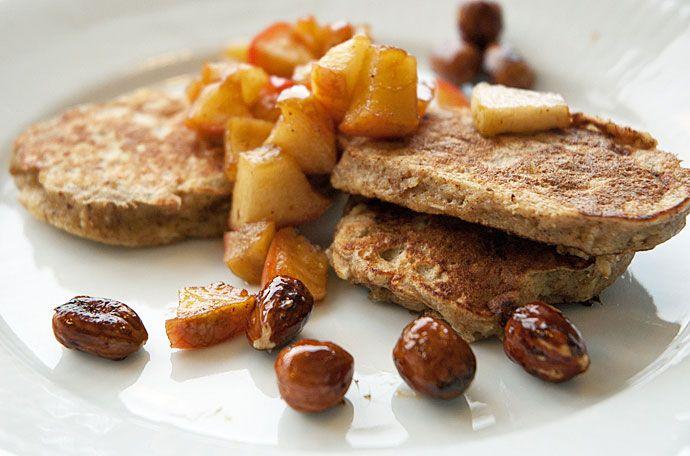 Efterårspandekager – morgenmadspandekager med æble og kanel
