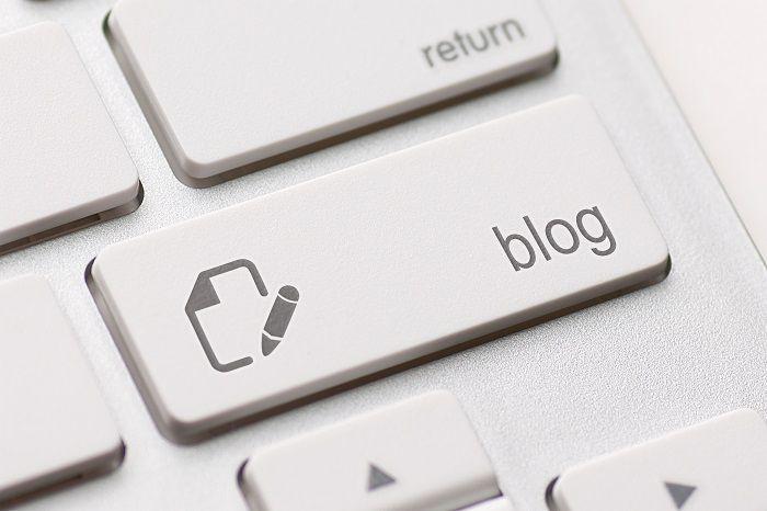 Een manier om online beter vindbaar te worden of je expertstatus te verhogen is aan de slag gaan met bloggen. Met contentcreatie kunje bij je doelgroep in de schijnwerpers komen. Maar dan moet je er wel voor zorgen dat je het goed doet. Vorig jaar interviewde ReferralCandy verschillende marketingexperts. De tips die deze professionals gaven, […]
