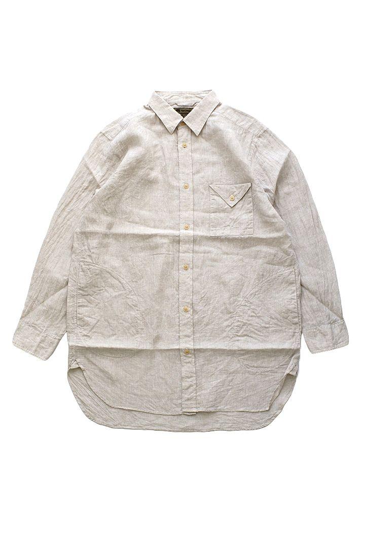 Nigel Cabourn - LONG SHIRT LINEN - ECRU ナイジェルケーボン ロングシャツ リネン エクリュ ナイジェルケーボンでも人気の高いLONG SHIRTの新型。 ハイクォリティーで安心感のあるリネンは春夏の湿度、気温でも快適に過ごせます。 Dポケと胸のフラップポケットのシンプルなディティール 着用すると納得する絶妙な着丈はコート代わりに羽織っても雰囲気の良い1着。