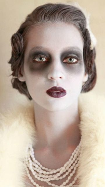 Vintage Dead Woman - This look is so cool and gives you a reason to hit up some antique shops! The makeup would be a cinch and wearing vintage accessories so chic!