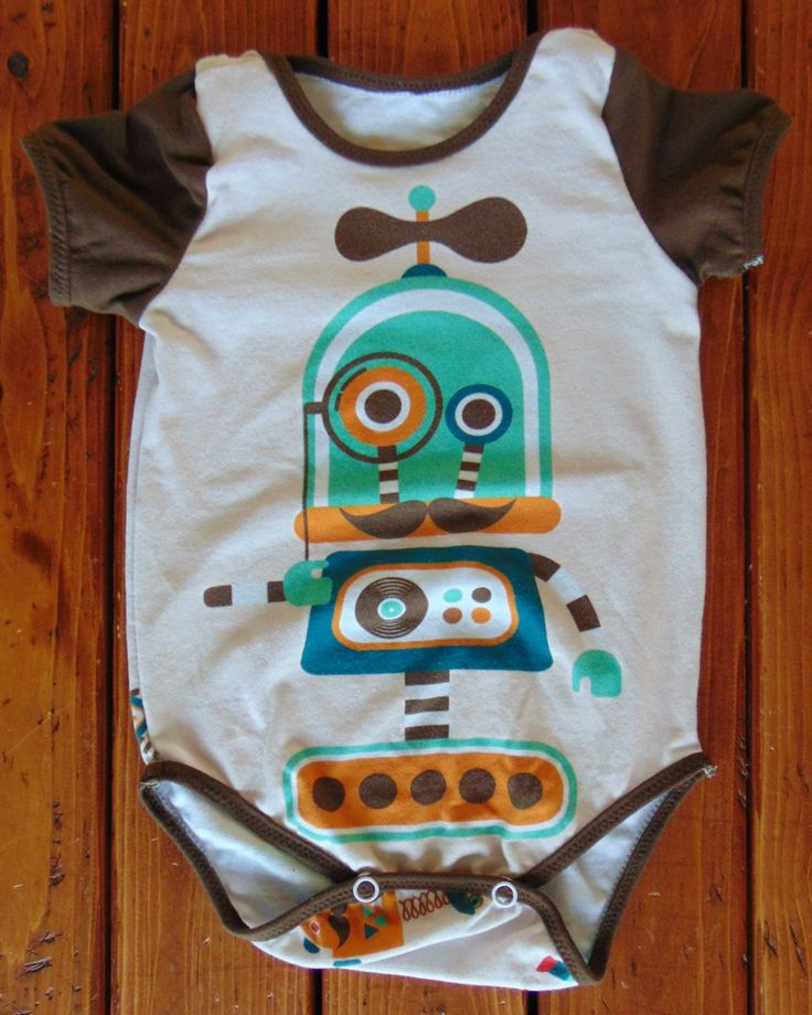 New to MiniGeeks on Etsy: Hipster Robot Baby Onesie - Unisex Baby Gift - Gift for Nerds - Baby Onepiece - Baby Bodysuit (40.00 CAD)