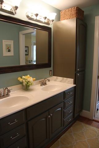 beautiful restroom idea  http://ourcreeksideplace.blogspot.com/2011/01/bathroom-makeover-for-under-500.html