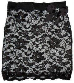 Lace Skirt with Bow Brooch/ Kanten Rokje met Strik Broche