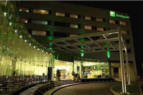 Holiday Inn Mexico City-Plaza Universidad Mexico City This hotel in Plaza Universidad Square is 4.5 km from the Estadio Azul football stadium, and 11 km from the city's historic centre. The hotel offers car rental services. Free Wi-fi is available throughout the hotel.