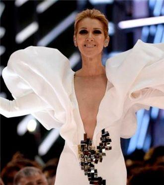Celine Dion Billboard Müzik Ödülleri Performansı