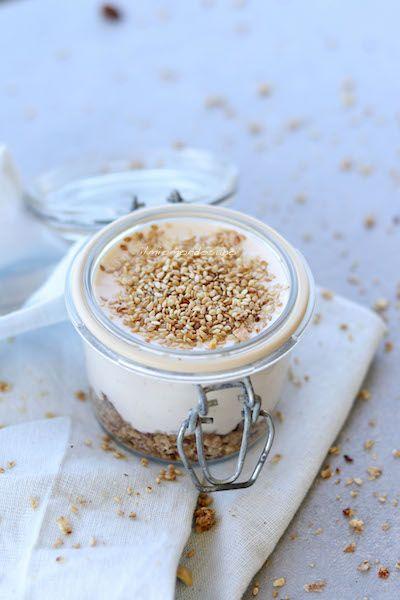 Non c'è niente di più facile che rendere una golosa crema al formaggio, un dolce salutare, fresco e leggero!!! Perfetto per un pic-nic!!!