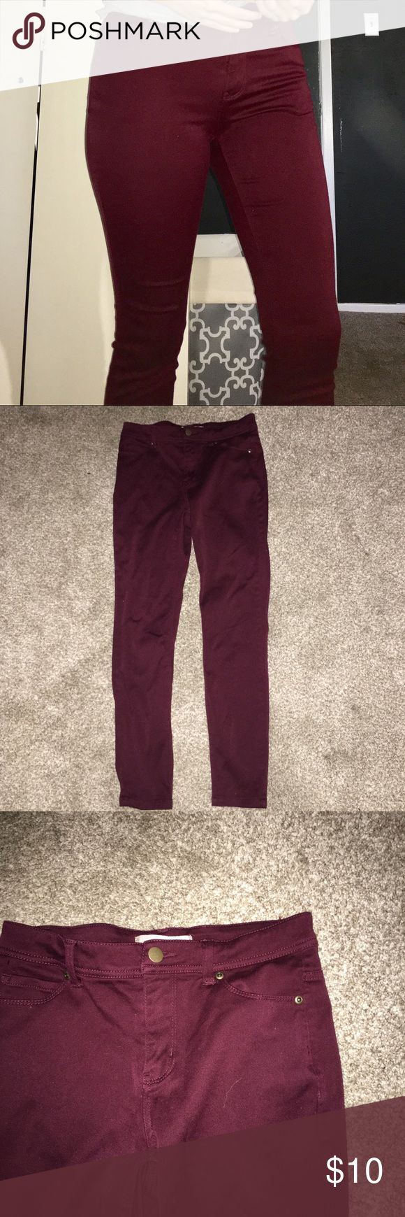 Maroon Skinny Jeans Maroon skinny jeans. Very soft and comfy material, just a little tight on me so that's why I am selling. Never worn, only tried on here and there and then put back in my closet. For reference, I am 5'3 and my waist is about a 27/28 in inches. Forever 21 Jeans Skinny