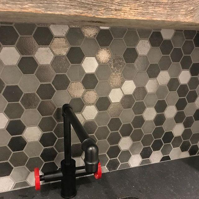 Mixed materials for a flawless look. . . . #hexagontiles #tile #rusticwood #backsplash #remodel #portland #oregon #pnw #washington #interiordesigner #interiordesign #customdesign #realtor #homebuilder #workingmom #girlboss #kitchendesign #designideas #kitchenremodel #localrealtors - posted by VERONIKA POWELL https://www.instagram.com/vlifestyleanddesign - See more Real Estate photos from Local Realtors at https://LocalRealtors.com