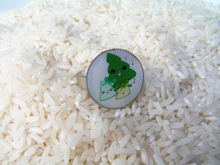 A little bit touched and cheerful resin ring after Christmas:  Singing Christmas tree