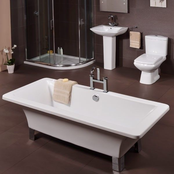 Solis 1700 Free Standing Bath, priced at £212.95. The Solis 1700mm Free Standing Bath carries a contemporary design constructed from double-skinned acrylic and modern chrome feet. Tap holes are undrilled allowing you free choice over your tap style. Order now at - http://www.taps.co.uk/solis-1700-free-standing-bath.html