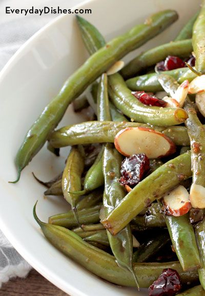 Ready for a fresh take on a trusty classic? Our balsamic glazed green beans are the delicious answer! - Everyday Dishes & DIY