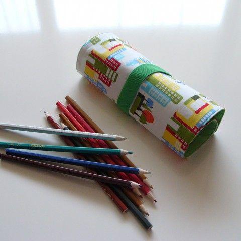 Tužkovník  na 27 pastelek (č.045) penál tužkovník pastelky
