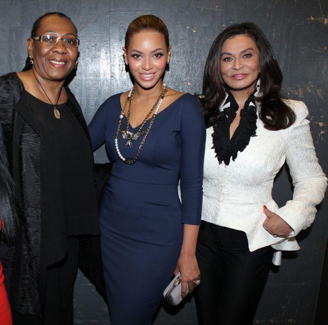 Mama Carter (Jay's mom), Beyoncé and her mother tina