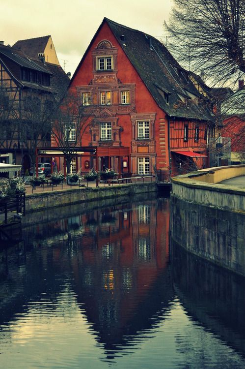 (via to live by the river, a photo from Alsace, East | TrekEarth)  Colmar, Alsace, France