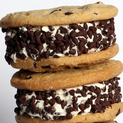 So if you love Chocolate chips cookies and you love ice cream...You will want to try these.. Chocolate Chip Ice Cream Sandwich Recipe from Grandmothers Kitchen.
