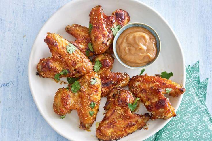 Kijk wat een lekker recept ik heb gevonden op Allerhande! Hoisin-kippenvleugels met sesamzaad