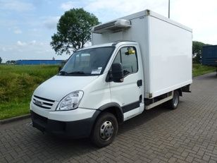 IVECO DAILY 40C15 Van front-side