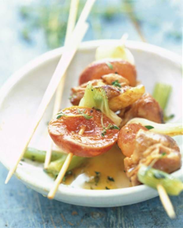 Brochettes de poulet aux abricots pour 6 personnes - Recettes Elle à Table