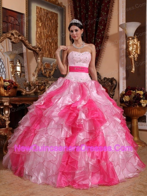 Pretty Dresses in the World