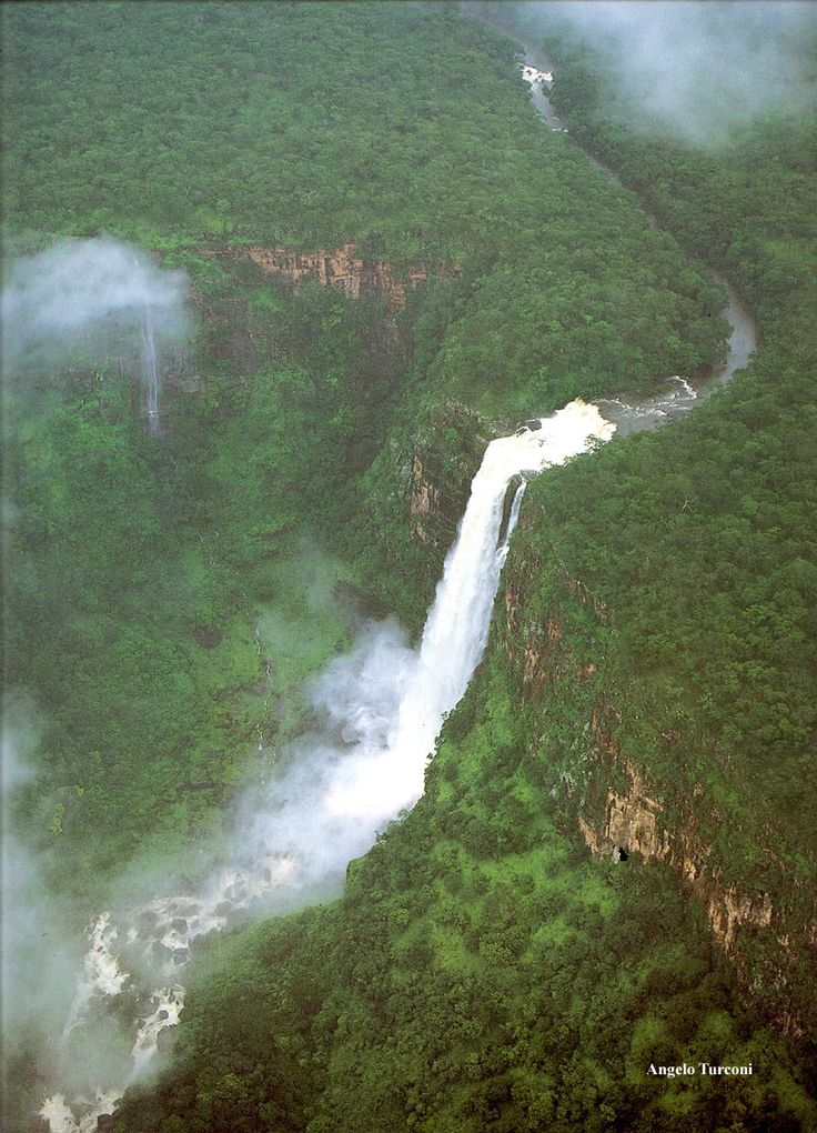CONGO RIVER                                                                                                                                                                                 Mais