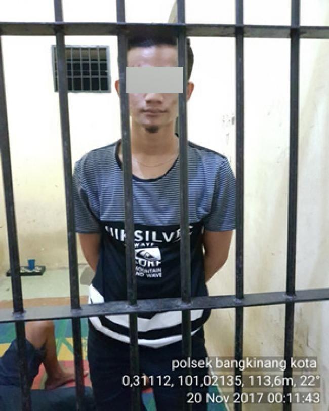 Bangkinang, Oketimes.com - Tim unit reskrim Polsek Bangkinang, meringkus seorang dari tiga pelaku pemerasan dan pencabulan terhadap sepasang muda-mudi saat melintas di Jalan HR