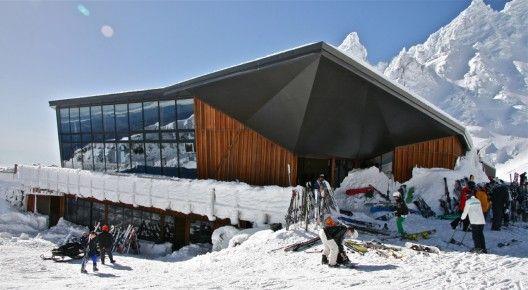 NZ Knoll Ridge Cafe : Location: Whakapapa Ski Field, Mt. Ruapehu, Tongariro National Park, New Zealand