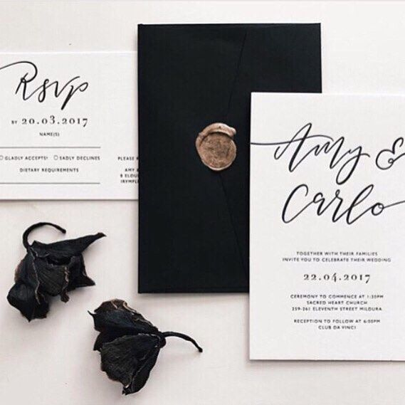 I N S P I R A T I O N // Stunning classic wedding stationery by @paigetuzee_designs